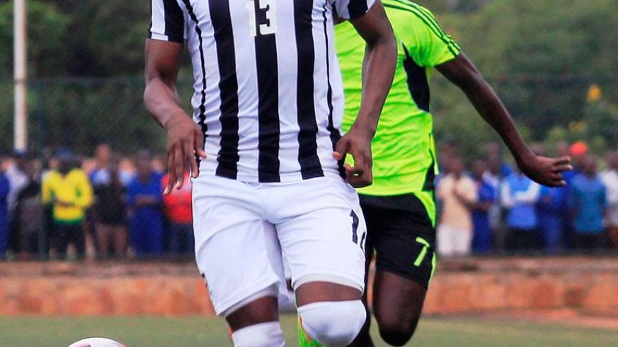 Centre back Aimable Nsabimana gave APR FC the lead in the 85th minute as the defending champions left it late to beat SC Kiyovu 2-0 on Sunday.  / Sam Ngendahimana