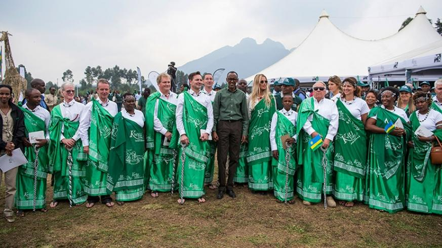 President Kagame with the guests that named the baby gorillas during the Kwita Izina celebrations in Musanze, yesterday. Courtesy.