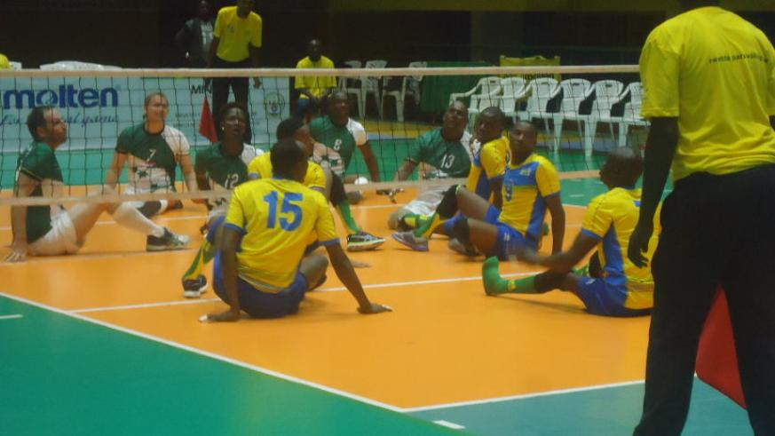 Hosts Rwanda defeated South Africa in three sets, 25-10, 25-16 and 25-17 in the opening game of the men's competition. / Pascal Bakomere