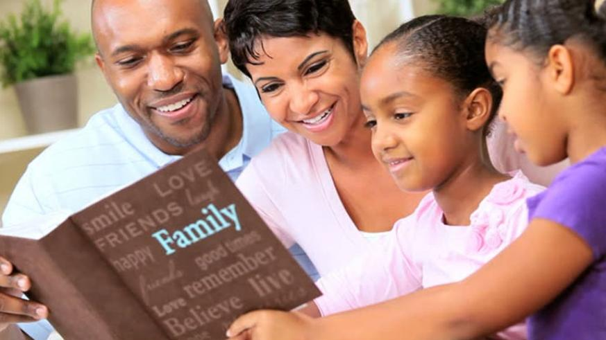 Parents interacting with their child. It is important for parents to be exemplary to their children. (Net)