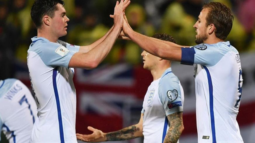 Harry Kane's (right) hot streak continues as England win in Lithuania. (Net photo)