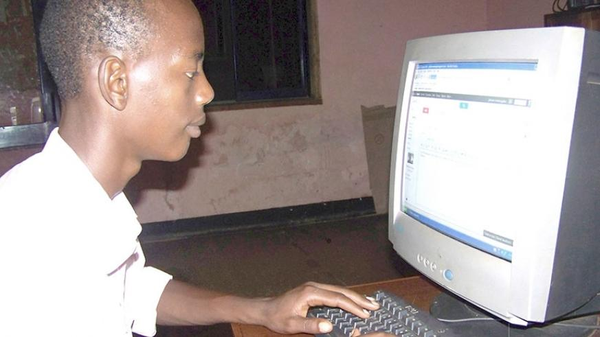 Computer vision syndrome is on rise in Rwanda. People are advised to mind the positioning of their computers to avoid digital eye strain. / Kelly Rwamapera.