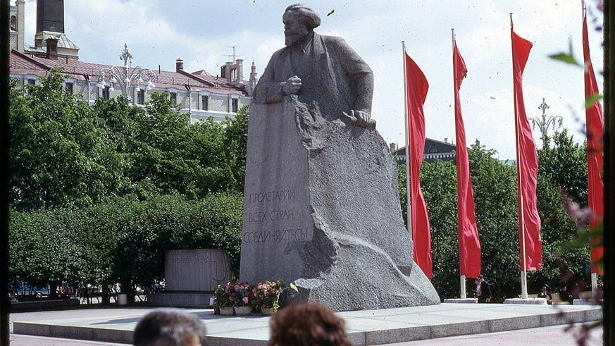 Marx's birth town celebrates anniversary with big new statue