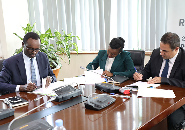 Rwanda, Motorola sign agreement to develop tech capacity | The New