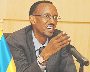 Kagame addressing journalists yesterday at Village Urugwiro. (Photo/G. Barya)