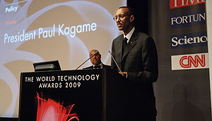 President Paul Kagame giving his acceptance speech after winning in the Policy category at the World Technology awards in New York. (PPU photo)
