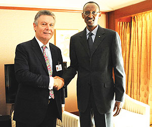 President Kagame and EU Development Commissioner Karel de Gucht in New York yesterday. (Photo/ Urugwiro Village)