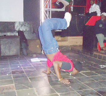 Callipso shows off his other talent of dancing / Net photo