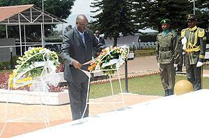 Burundi Ambassador to Rwanda Remy Sinkazi pays tribute to national Heroes on behalf of diplomats accredited to Rwanda.