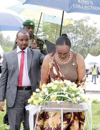 Speaker Rose Mukantabana honours Genocide victims.