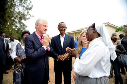 President Kagame, President Clinton and Director of RSNM Epiphanie Kabaranga- Rwamagana, 19 July 2012