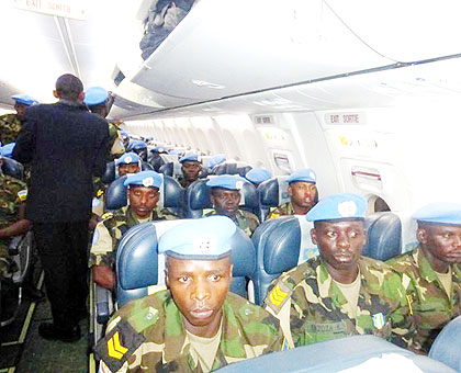 RDF soldiers arriving at Kigali International Airport after nine months of tour of duty in Darfur. The New Times/ Courtesy.