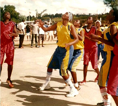 Chantal Akumuntu, centre, seen here in action for Rusizi before she joined APR. File photo