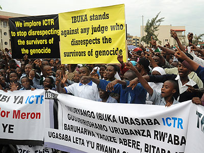 Rwandans demonstrate against acquittals of Genocidaires by the ICTR. (John Mbanda)