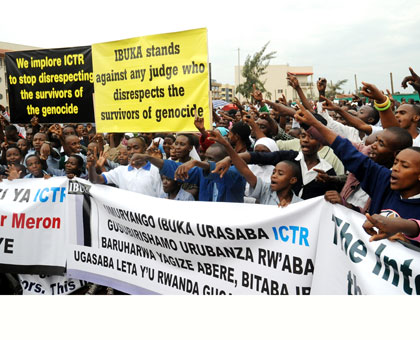Rwandans protest acquittals of Genocide suspects by ICTR last year. J. Mbanda.