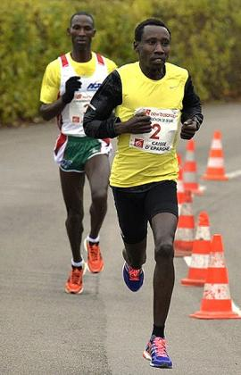 Dieudonné Disi (R) plans to call time on his running career after the Glasgow Games and he is seeking to end on a high note. Courtesy.