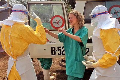 Medical volunteers from Doctors Without Borders, an international NGO, on the field battling Ebola in Libera. (Net photo)