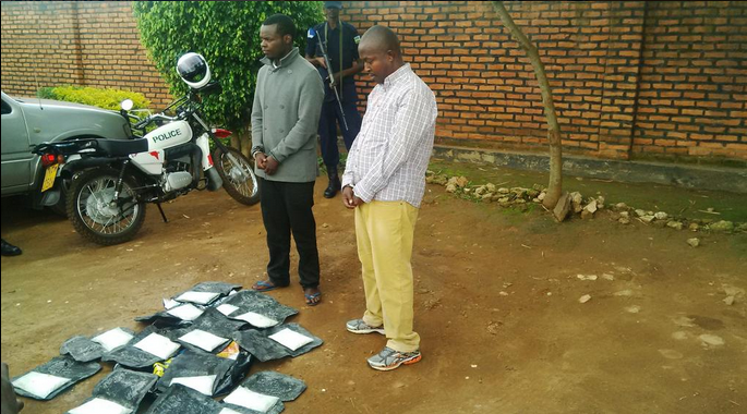 The two drug smuggling suspects were presented to the media at Kicukiro Police Station today. Courtesy photo