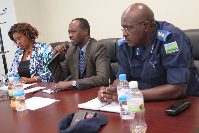 Munyantwari (C) with the provincial  police commander,  CSP Simon Mukama, and provincial executive secretary  Jeanne Izabiriza, at the news briefing on Friday. (Jean Pierre Bucyensenge)