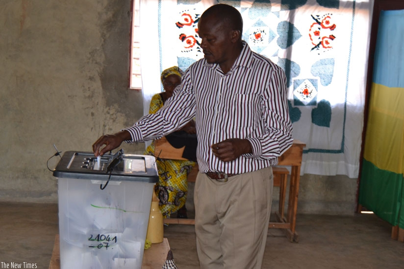 A man votes in referendum in Musanze  District. Kagame says critics of the exercise should respect the choices of Rwandans. (Jean d'Amour Mbonyinshuti)