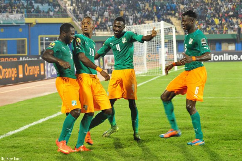 Yannick Zakri (second left) scored in the 45th minute from a penalty to earn the Ivorians three points in CHAN 2016. (Courtesy photo)