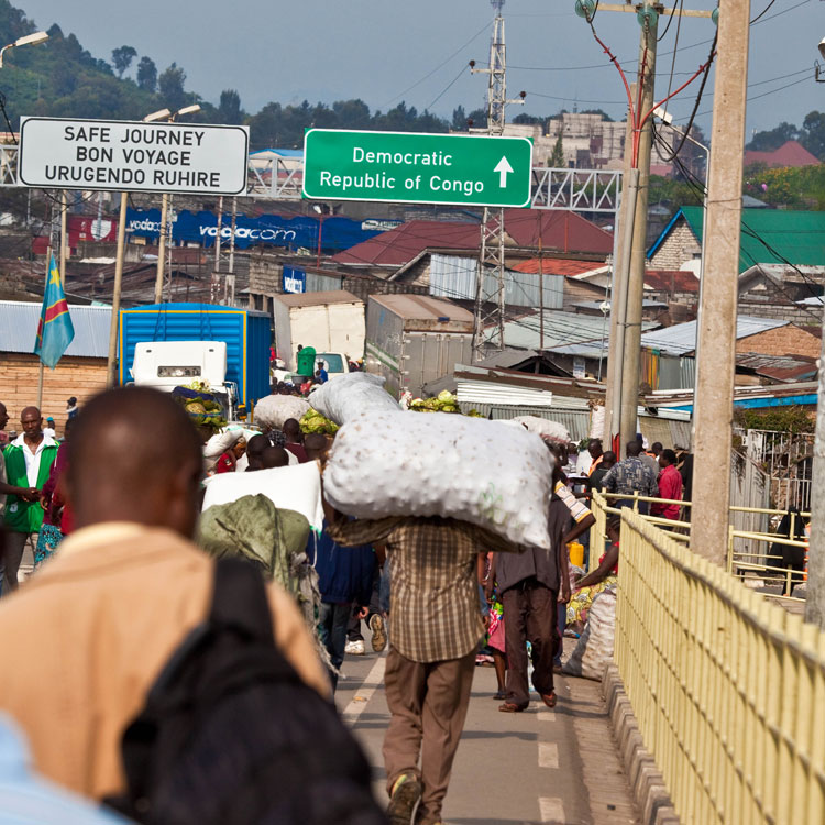 Informal cross-border trade at the Rwanda-DR Congo borders. African nations gain more trading among themselves. (File)