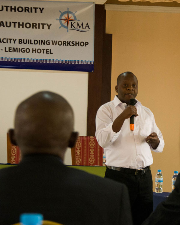 1462219936Andrew-Opiyo-from-KPA-makes-his-presentation-during-the-workshop-at-Lemigo-Hotel