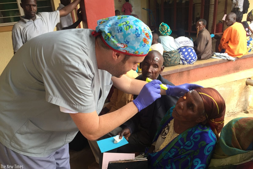 Dr Cobián treats a cataract patient in Rwamagana. (Courtesy)