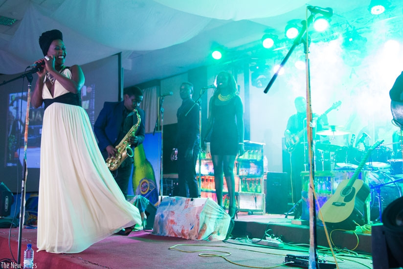The highly Lilian Mbabazi defied the rain to put up a spirited performance, mesmerizing her fans and family members who turned up. / Nadege Imbabazi