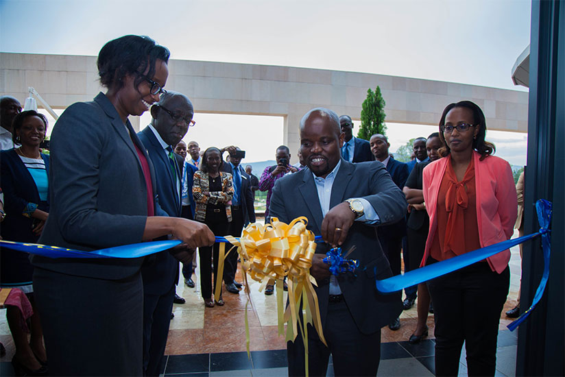Minister of Youth and ICT Jean Philbert Nsengimana (R) and Dr Diane Karusisi CEO of Bank of Kigali officially open digital service center at Kigali heights yesterday. (Photos by Na....