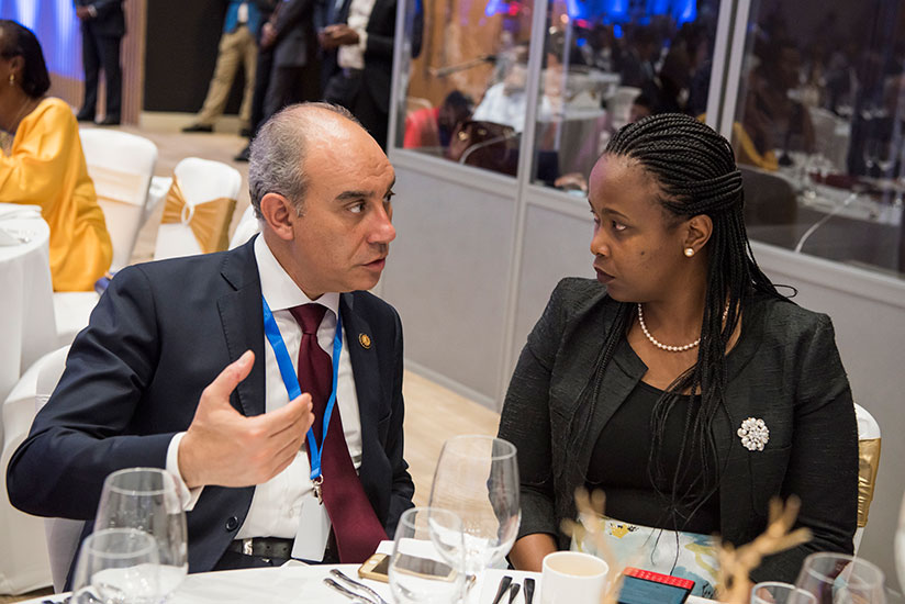 1502838720RDB-CEO-Clare-Akamanzi-chats-with-an-Egyptian-official-at-the-banquet