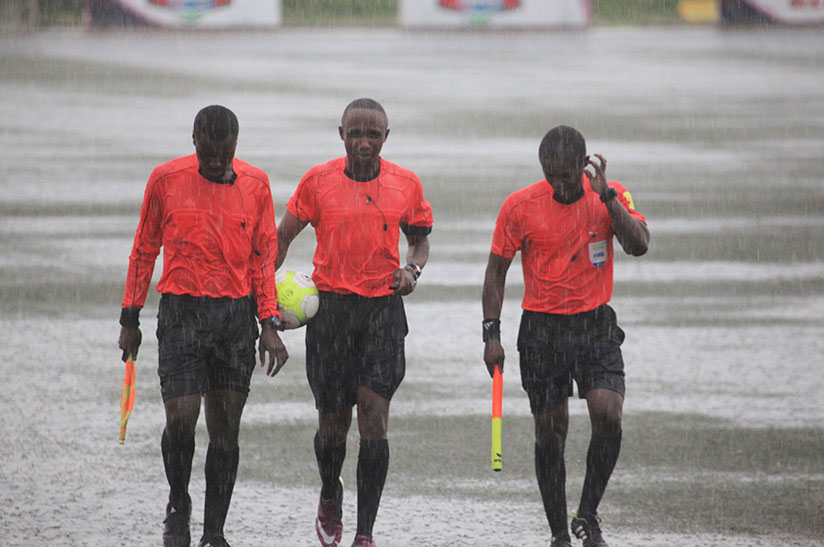 1511639425The-match-called-off-in-34th-minute-as-the-heavy-rain-washed-the-clash