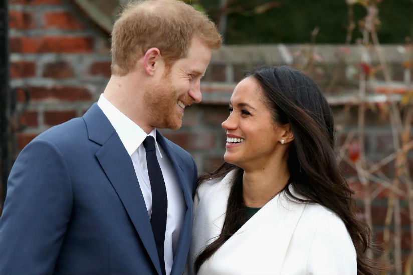 Prince Harry and Meghan Markle announcing their engagement at the Sunken Gardens at Kensington Palace on Nov. 27 in London. / Internet photo