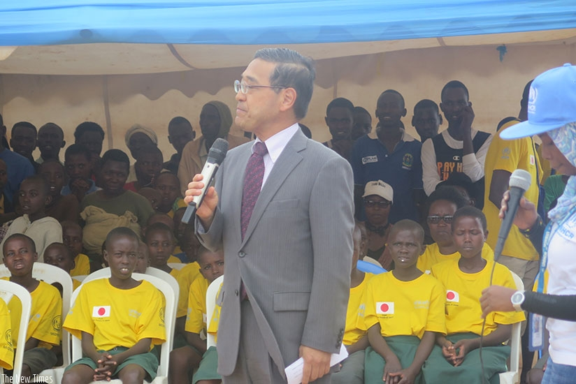 Ambassador Takayuki addresses the refugees during his visit. (Photos by Eddie Nsabimana)