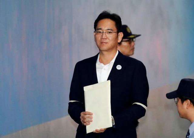 Samsung Electronics Vice Chairman, Jay Y. Lee, arrives at a court in Seoul, South Korea, October 12, 2017. / Internet photo