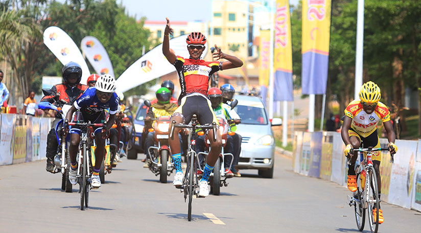 1514656684Beneduction-Club-rider-Yves-Nkurunziza-crosses-the-finish-line-to-win-the-96,8-Km-race-in-Juniors-category-(Sam-Ngendahimana)