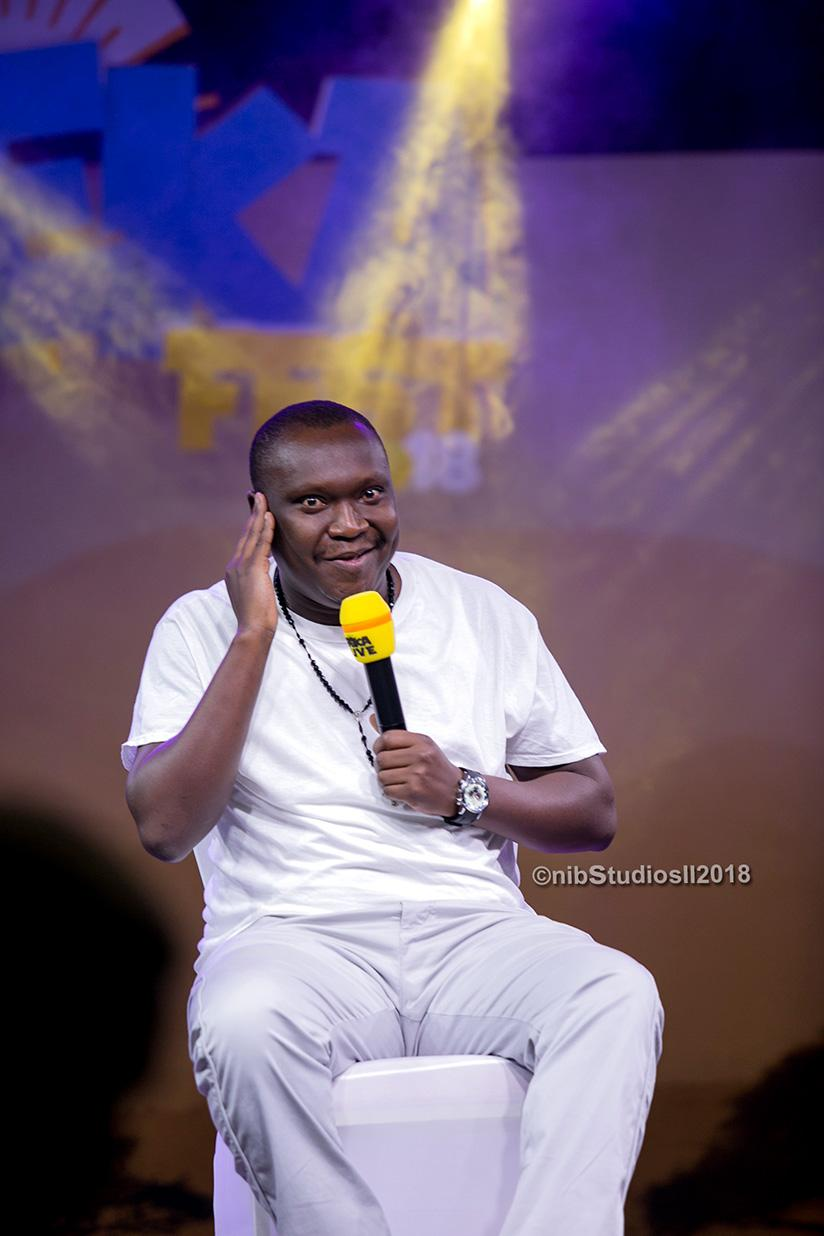 1522088096Ugandan-comedian-Salvado-was-the-man-the-crowd-looked-out-for;-famed-for-his-jokes-about-his-village-Ombokolo,-was-at-it-again