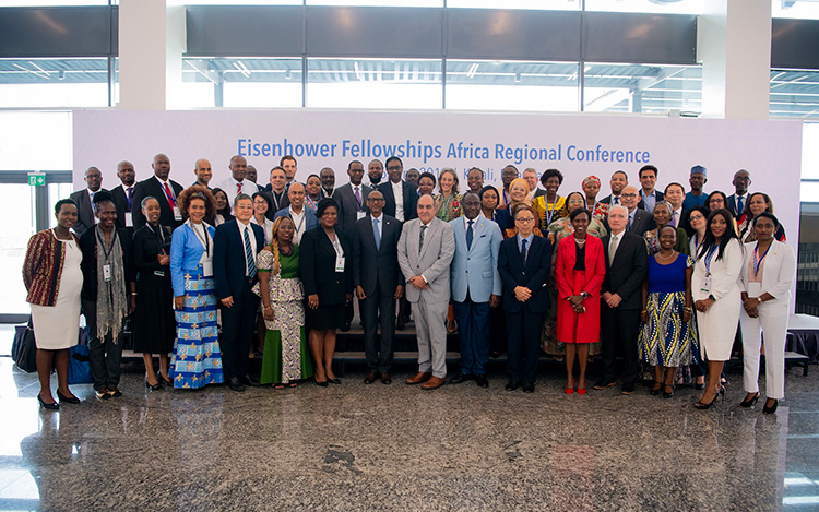 President Kagame in a group photo with EF fellows from around the world at the Eisenhower Fellowships Africa Regional Conference. / Village Urugwiro