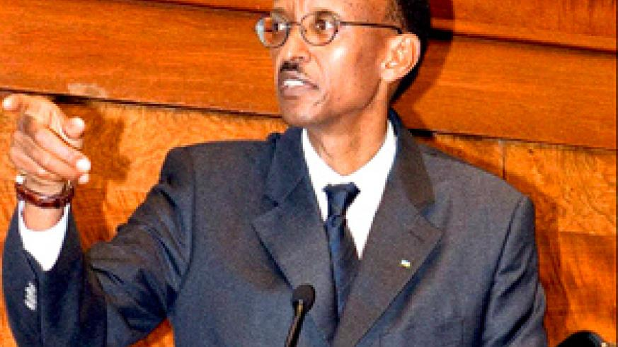 Kagame speaks at the Rwanda Investment Forum in London last week. (PPU Photo)