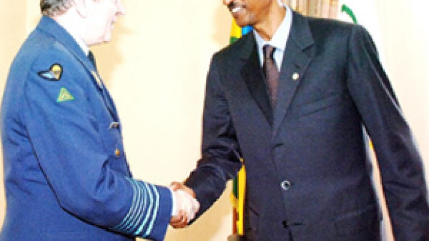 President Paul Kagame receives Belgian Chief of Defence Gen. August van Daele at Village Urugwiro yesterday.(Photo/PPU)