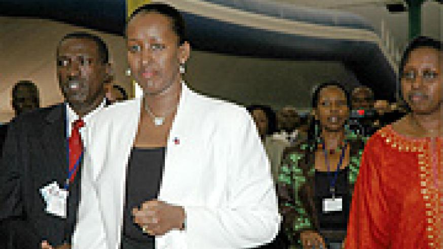 (L-R) Health Minister Jean Damascene Ntawurikuryayo, First Lady Jeannette Kagame and Kigali mayor, Dr. Aisa Kacyira Kirabo during the HIV/Aids conference early this year. (File Photo)
