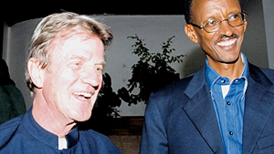 President Kagame and Kouchner address the press after their meeting on Saturday at Village Urugwiro. (PPU Photo)