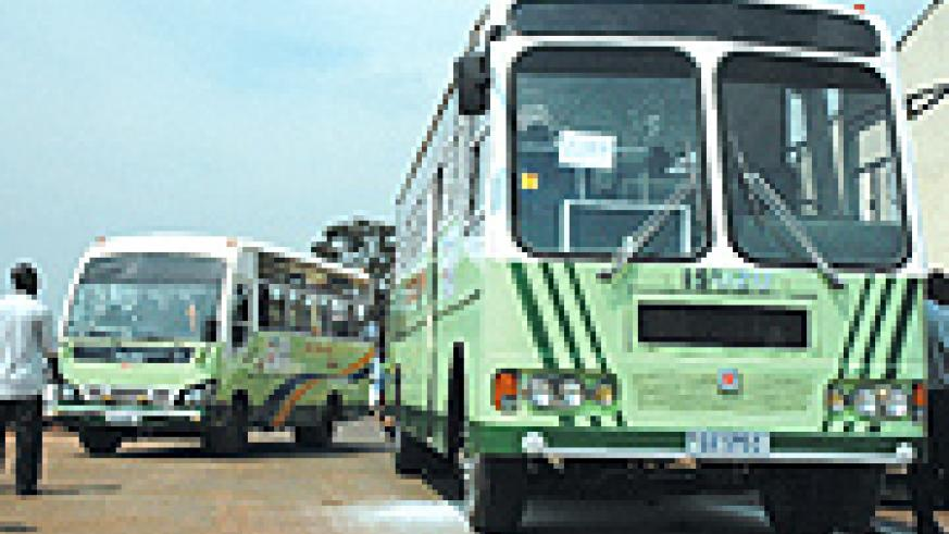 ONATRACOM buses. This government-owned company offers public service transport to passengers in the city.