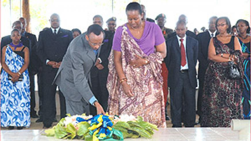 President Kagame and the First Lady, Jeannette, lay a wreath at a Genocide memorial site in Nyamata, Bugesera District, yesterday. (PPU photo).