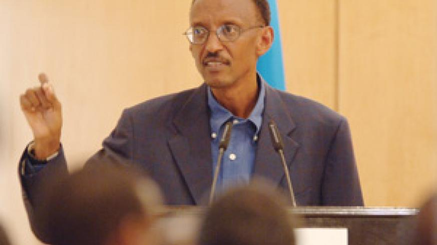 President Kagame addressing the monthly press conference at Village Urugwiro.( Photo/PPU)