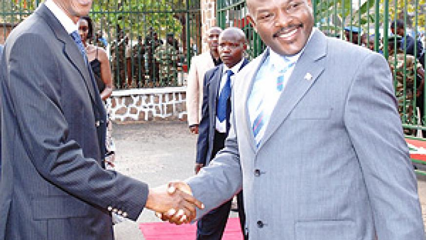 President Kagame being welcomed by his Burundi counterpart, Pierre Nkurunziza, on arrival in Bujumbura Thursday.