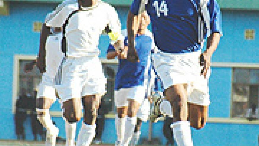 FORMER FOE: Labama Bokota torments APR's defence during a league game while still donning Rayon colours. He has since joined APR. (File photo)