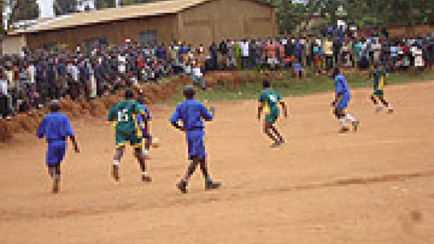 Former prisoners in blue compete against the community (Photo/C.Kwizera)