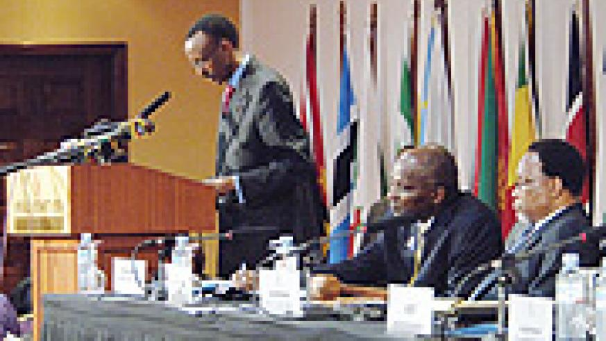 President Paul Kagame addressing the Tripartite Summit in Kampala. The high-level summit was to provide a platform for 26 African countries to discuss and make decisions on areas that enhance integration. (PPU Photo)