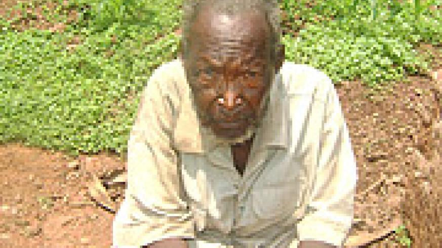 DAUDI UWIHOREYE : (117 years old), The World War Two veteran,  fears dying and not death.